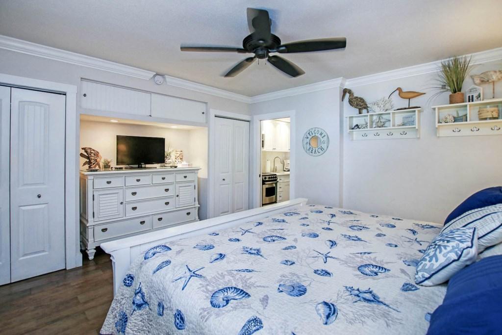 C9 Bedroom b (2).jpg