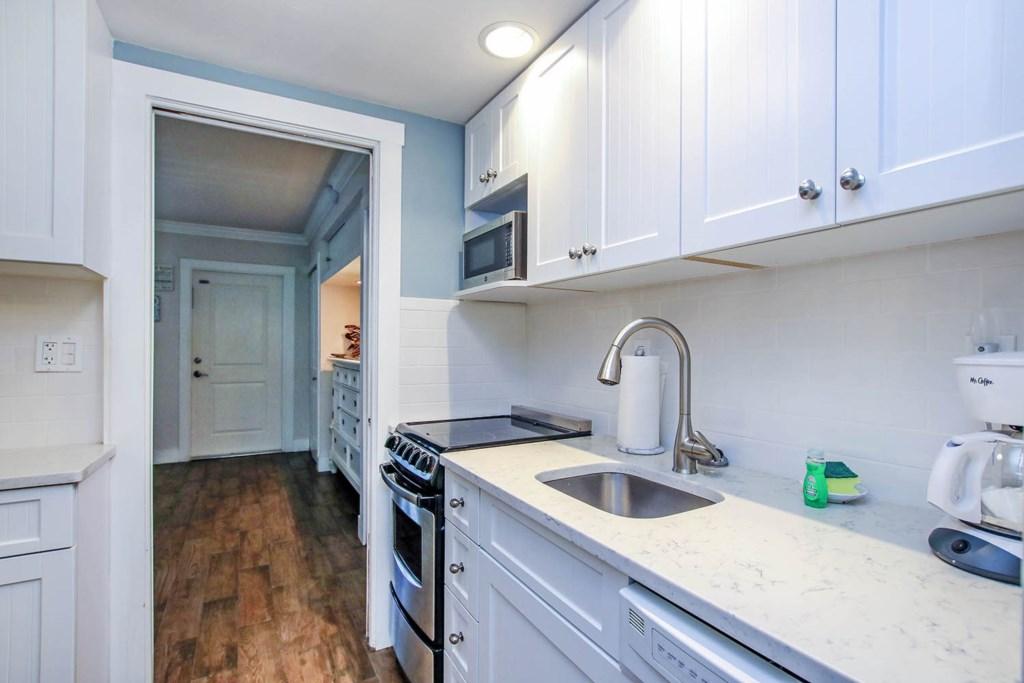 C9 Kitchen b (2).jpg