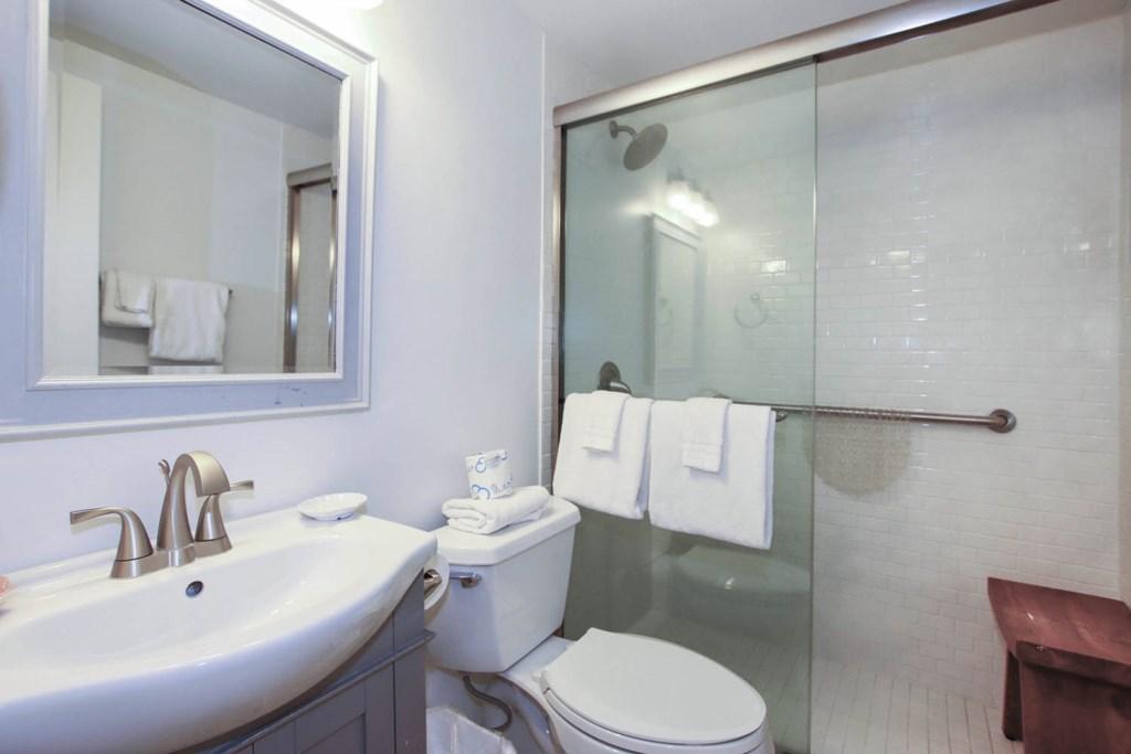 C15 Bathroom.jpg