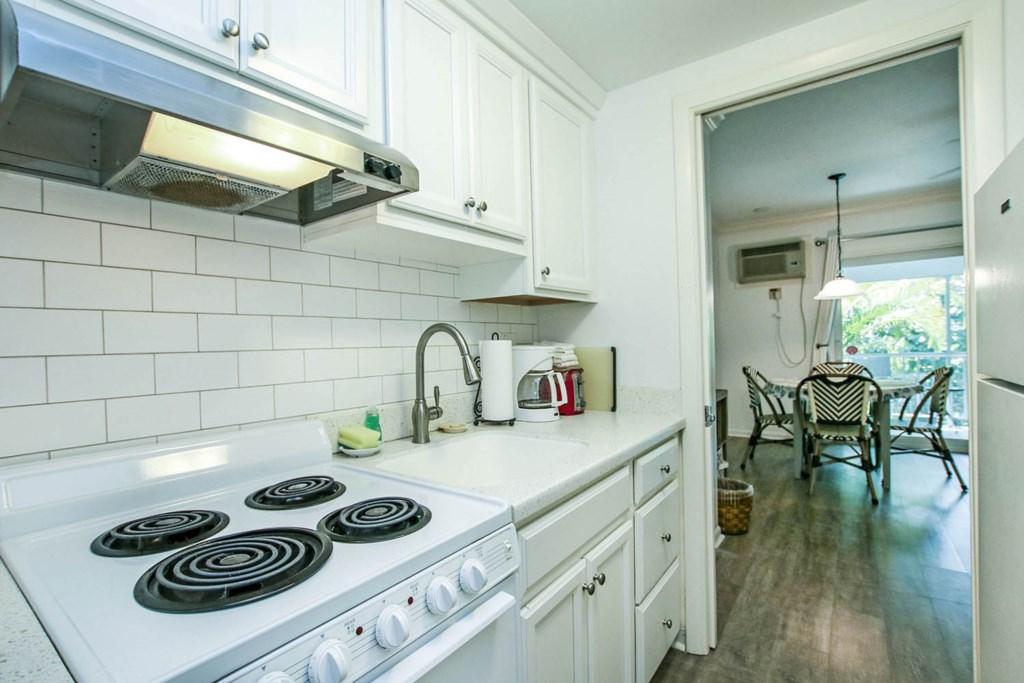 C15 Kitchen a.jpg