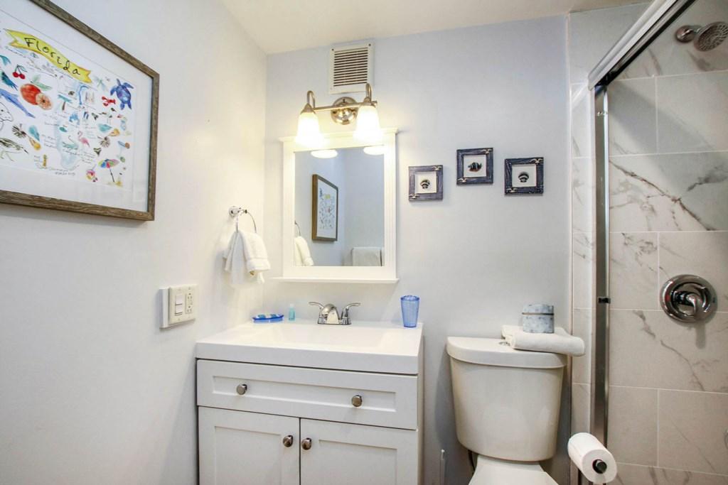 C 16 Bathroom.jpg