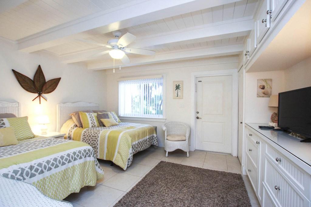 C42 Bedroom c (2).jpg