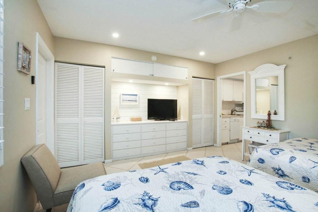 C 41 Bedroom b.jpg