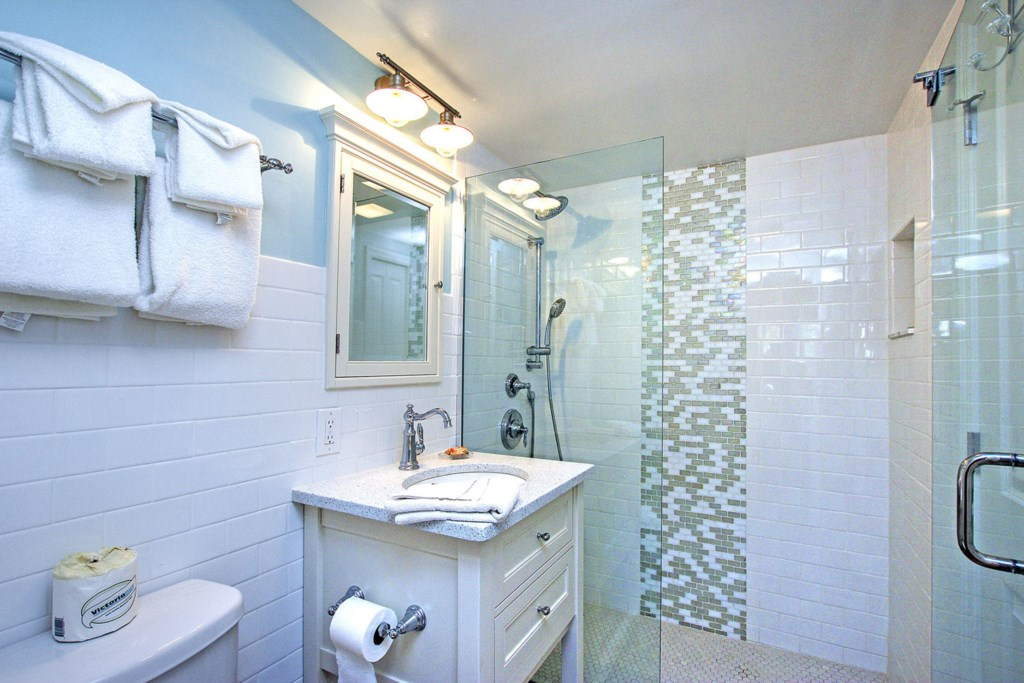 C44Bathroom(2)
