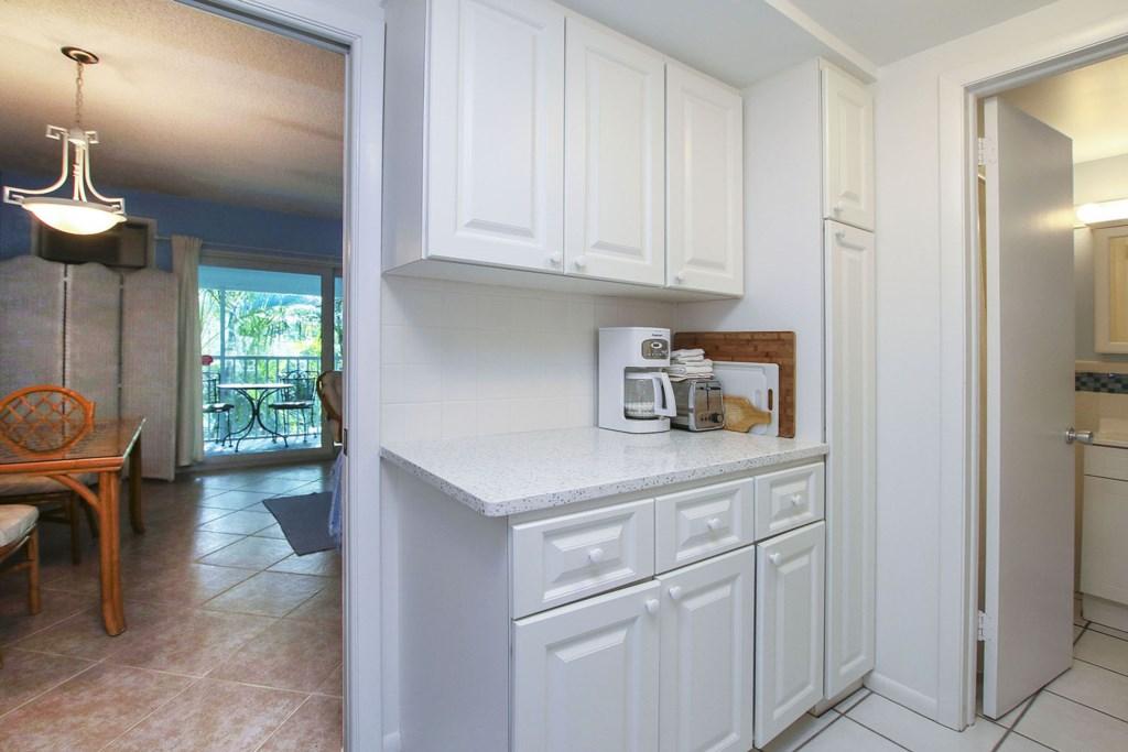 C53 Kitchen b.jpg