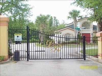 3221 Gate.jpg