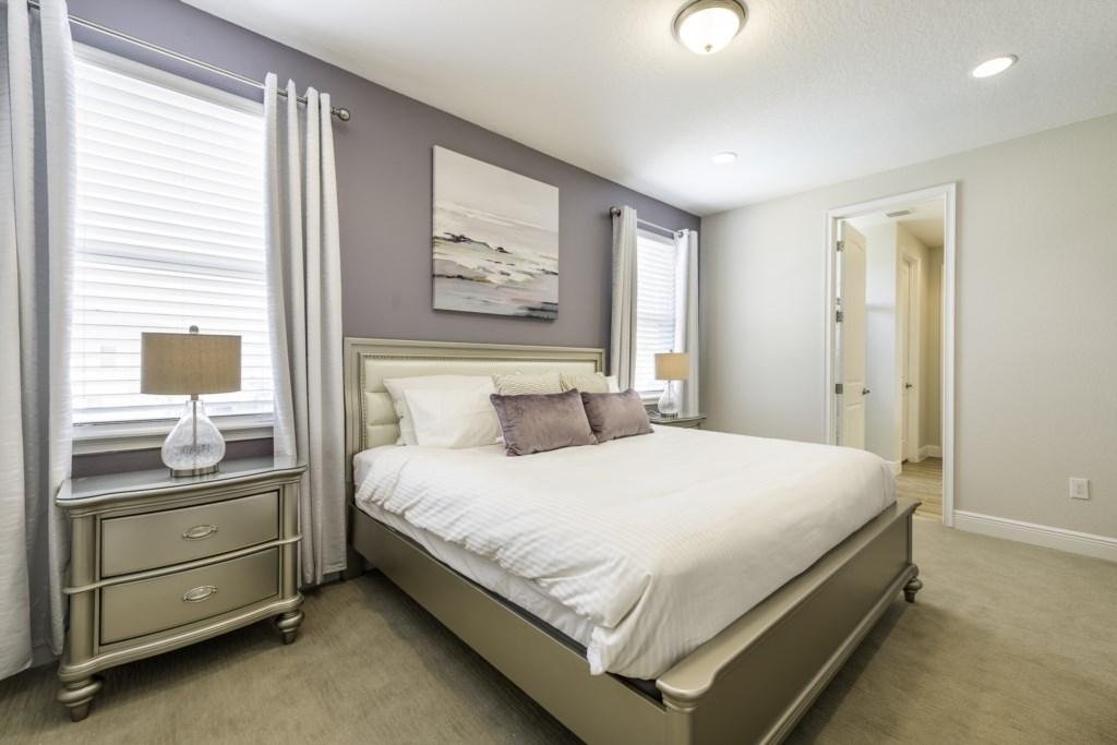 Master Bedroom 2-1-11.jpg