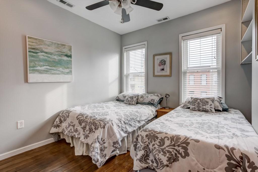 Guest Bedroom #1 Photo 2 of 3