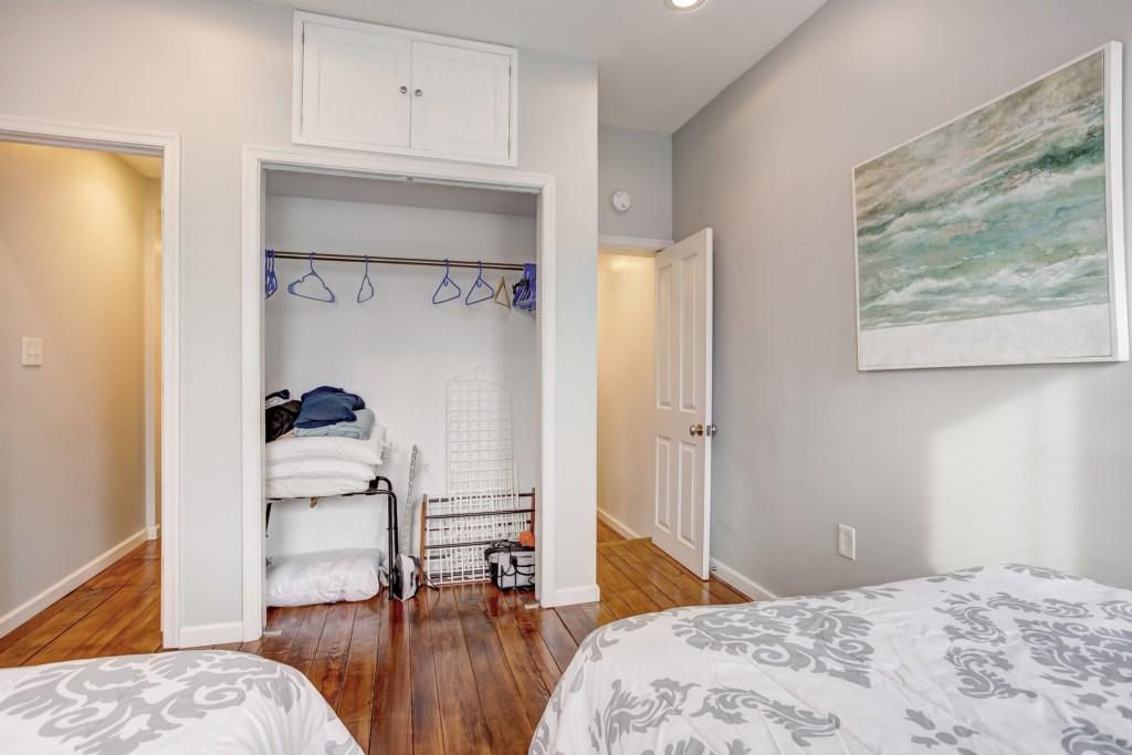 Guest Bedroom #1 Photo 3 of 3