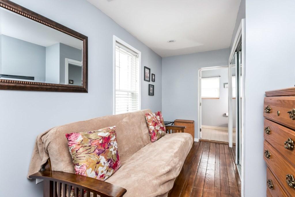 Guest Bedroom #2 Photo 2 of 3