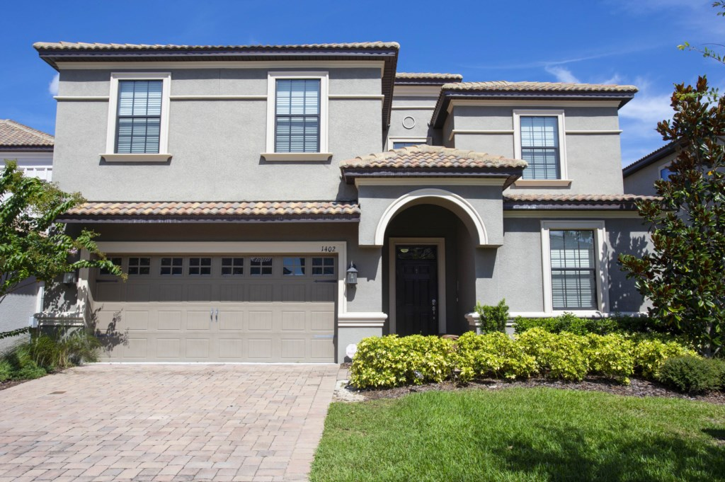 1402MoonValleyDrive-championsGate-1002