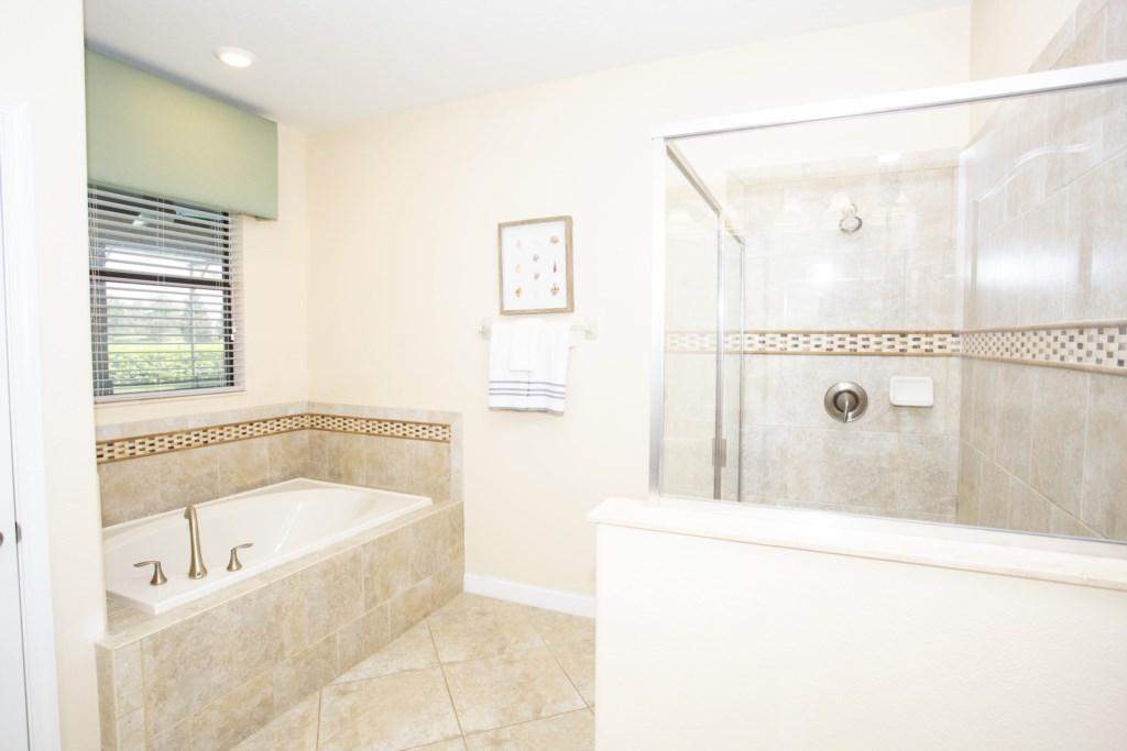 1402MoonValleyDrive-championsGate-1022
