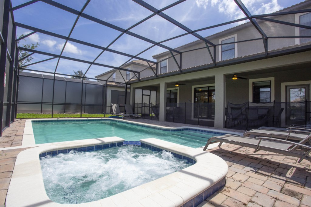 1402MoonValleyDrive-championsGate-1080