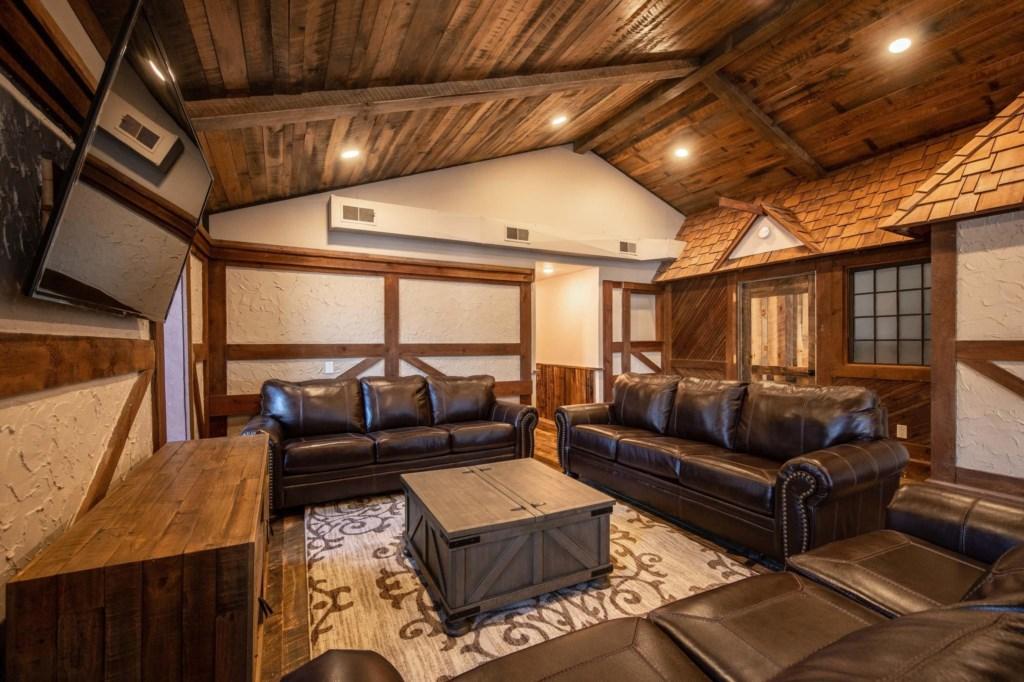 Calderwood Lodge-37.jpg
