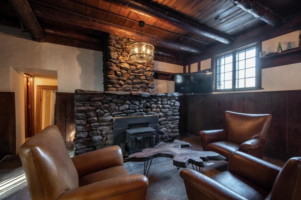 Calderwood Lodge-49.jpg