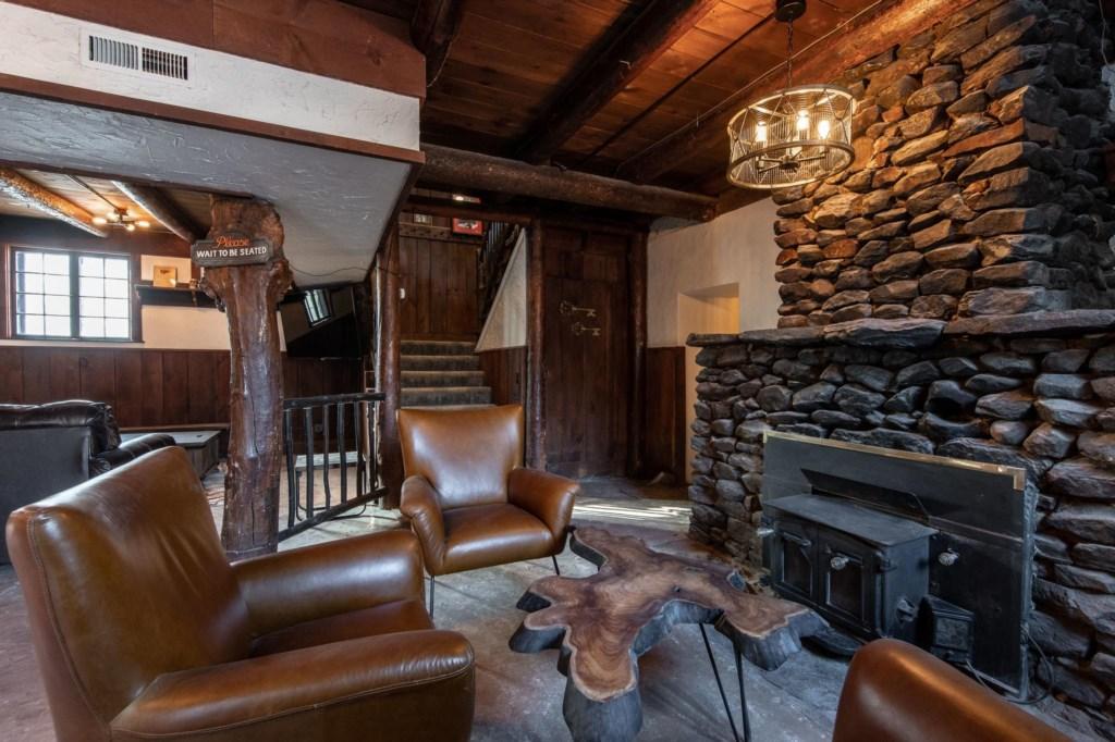 Calderwood Lodge-50.jpg