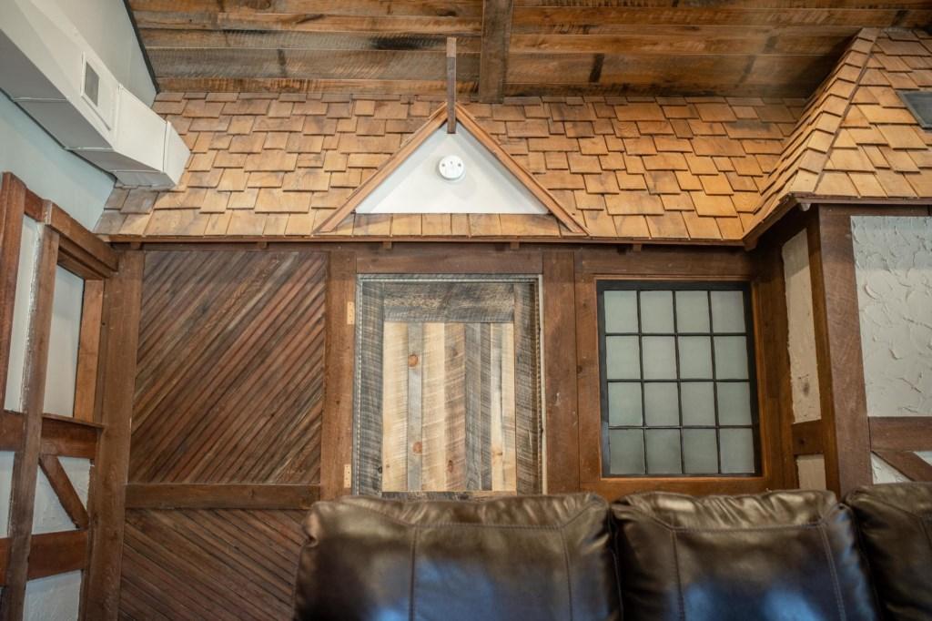 Calderwood Lodge Closeups-2.jpg
