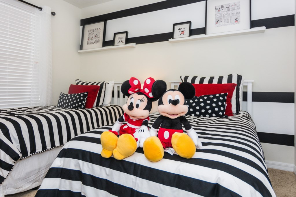 Mickey Bedroom 4.jpg