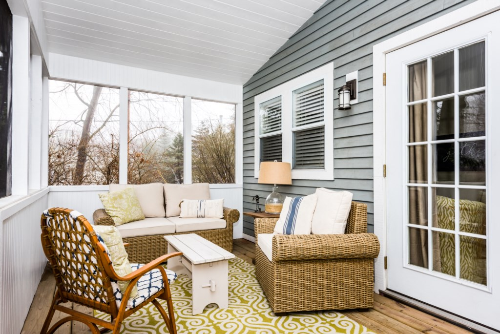 Private Screened-In Porch