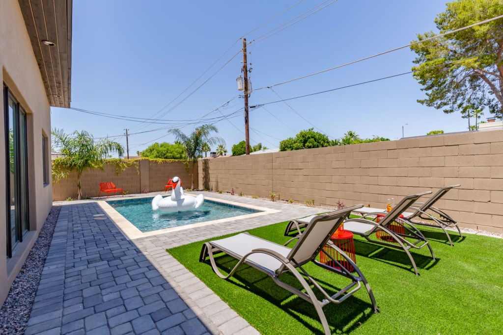 Brand new private pool and luxurious backyard area