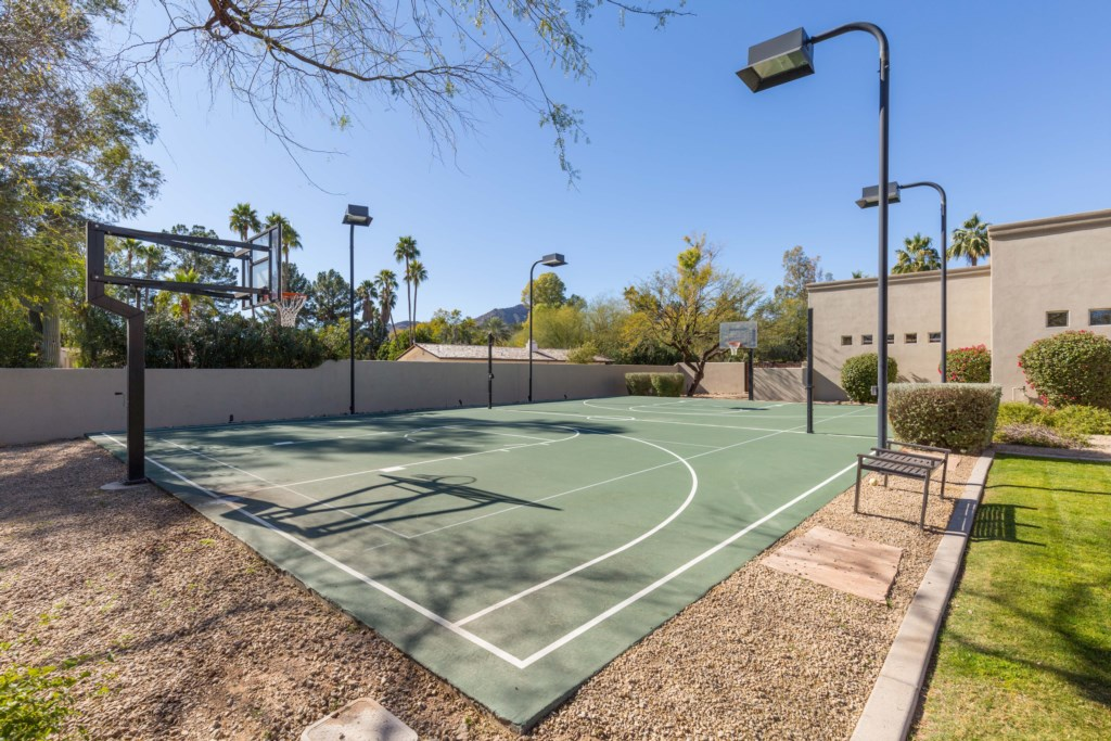 Full basketball court to enjoy!