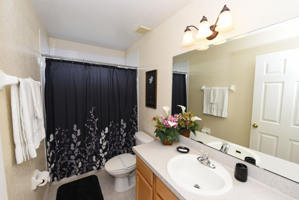 Bathroom 4 1200.jpg