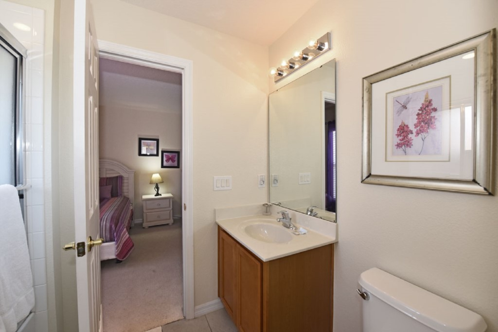 Bathroom31200