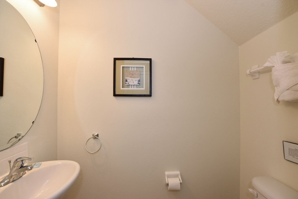 Bathroom 5 1200.jpg