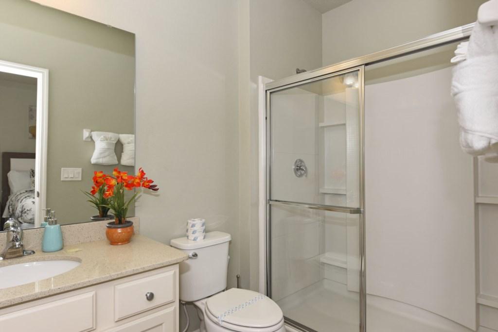 Bathroom 4 1200.jpg