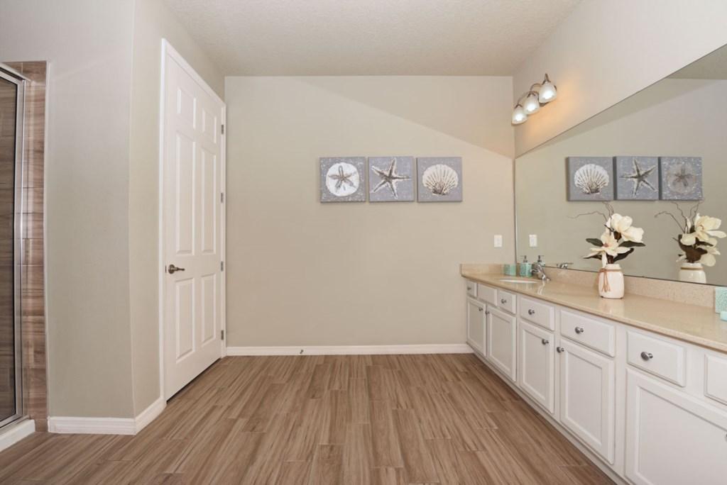 Bathroom Master 1 1200.jpg