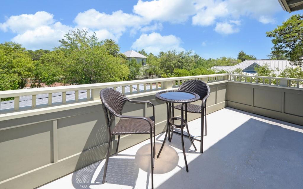 MagnoliaCottagesByThe-large-031-54-Balcony-1500x938-72dpi
