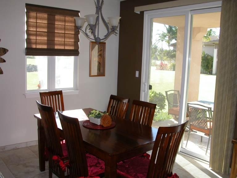 Sunlight Dining Area