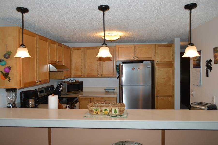 Fully-Stocked Kitchen to Enjoy a Home Cooked Meal