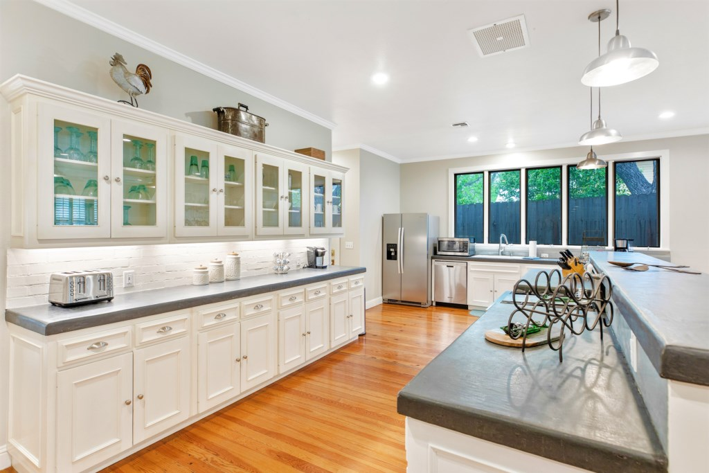 A fully stocked kitchen offers everything you need to cook the best meal during vacation or time off!