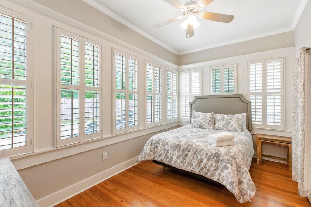 Guest Bedroom 2 Photo 3 of 3