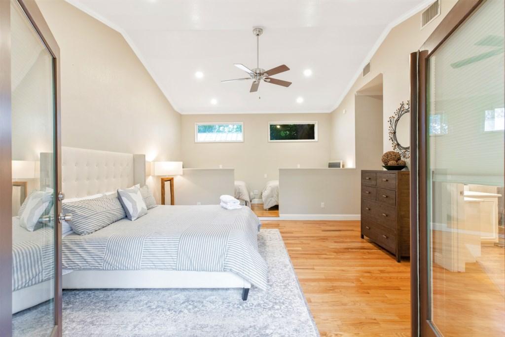 Master Bedroom Photo 3 of 5
