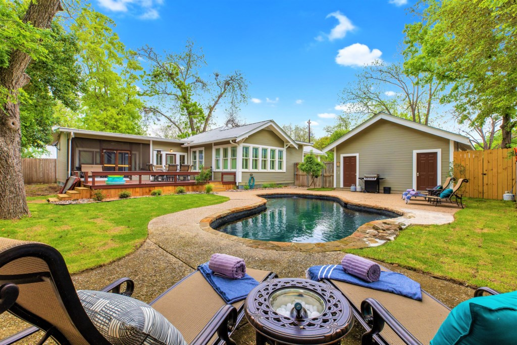 Welcome to Fredericksburg! Come enjoy this amazing town while relaxing at our pool and hot tub!