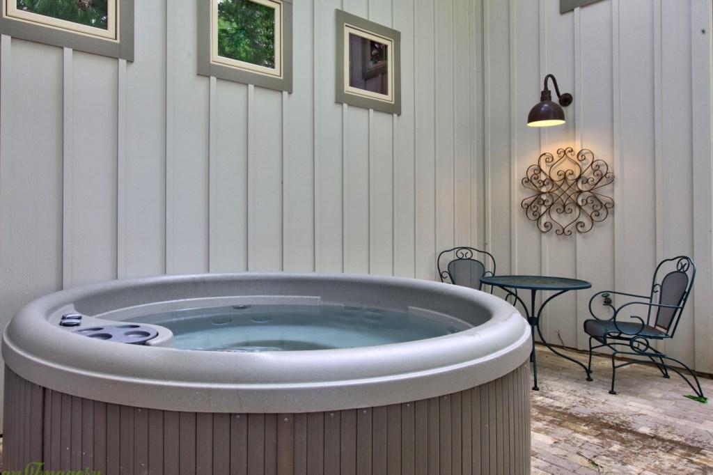 Back House Hot Tub