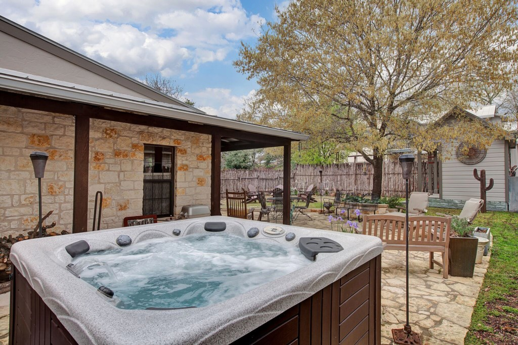 Front House Hot Tub