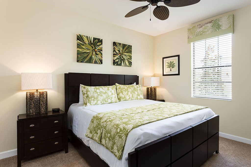 Calming queen bed with flatscreen TV