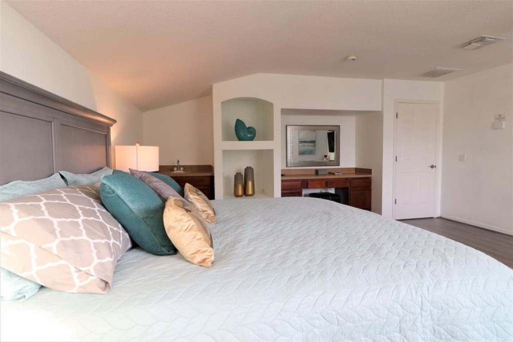 View 3 of lovely upstairs king size master bedroom with lounge area and flat screen TV