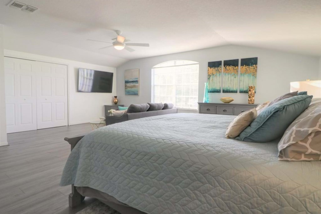 View 2 of lovely upstairs king size master bedroom with lounge area and flat screen TV