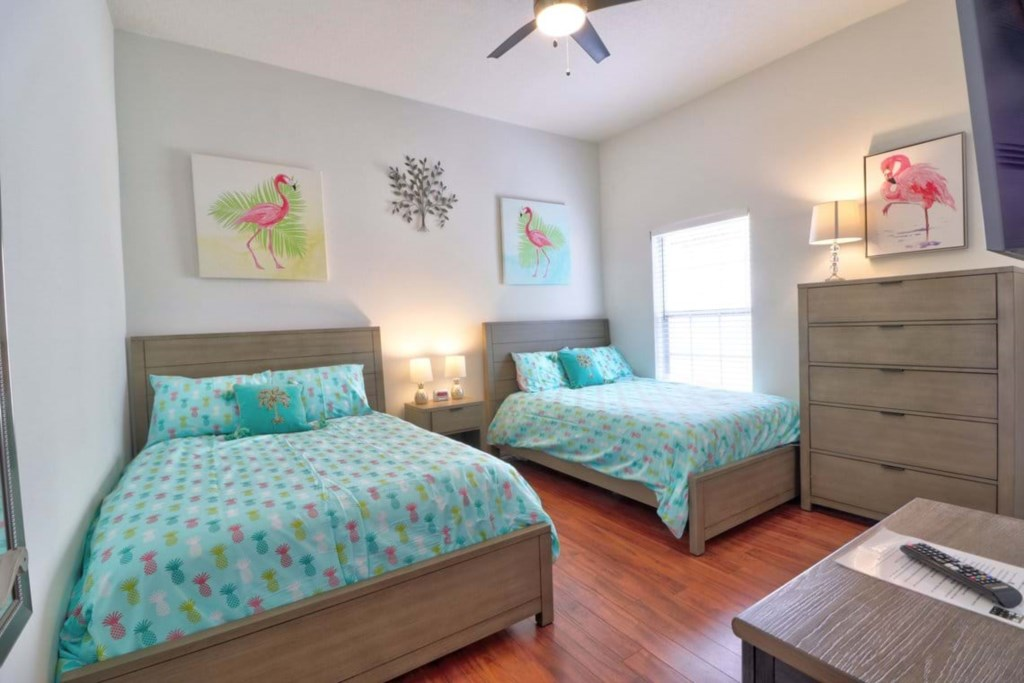 Spectacular 2 queen beds with flat screen TV