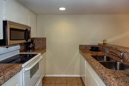Full Kitchen.jpg