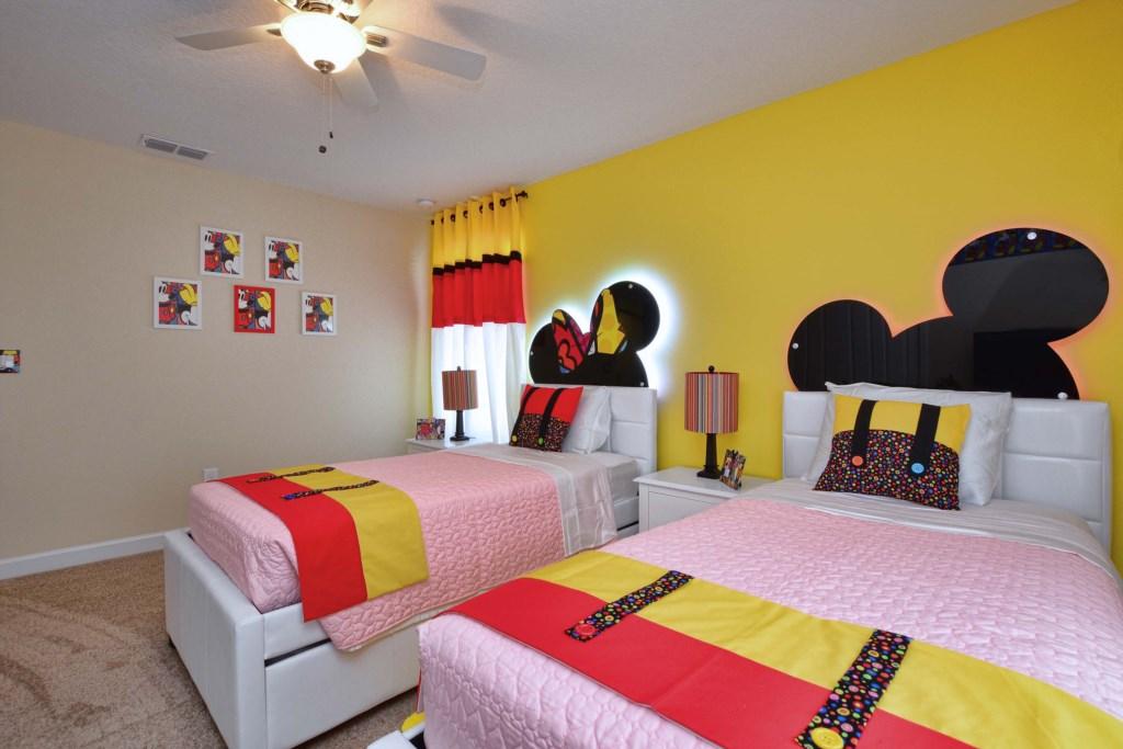 07-Bedroom32