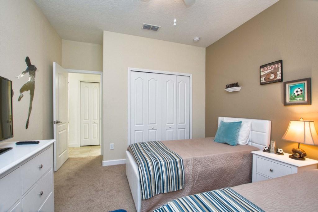 08-Bedroom2