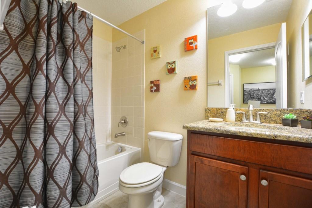 11-Bathroom4