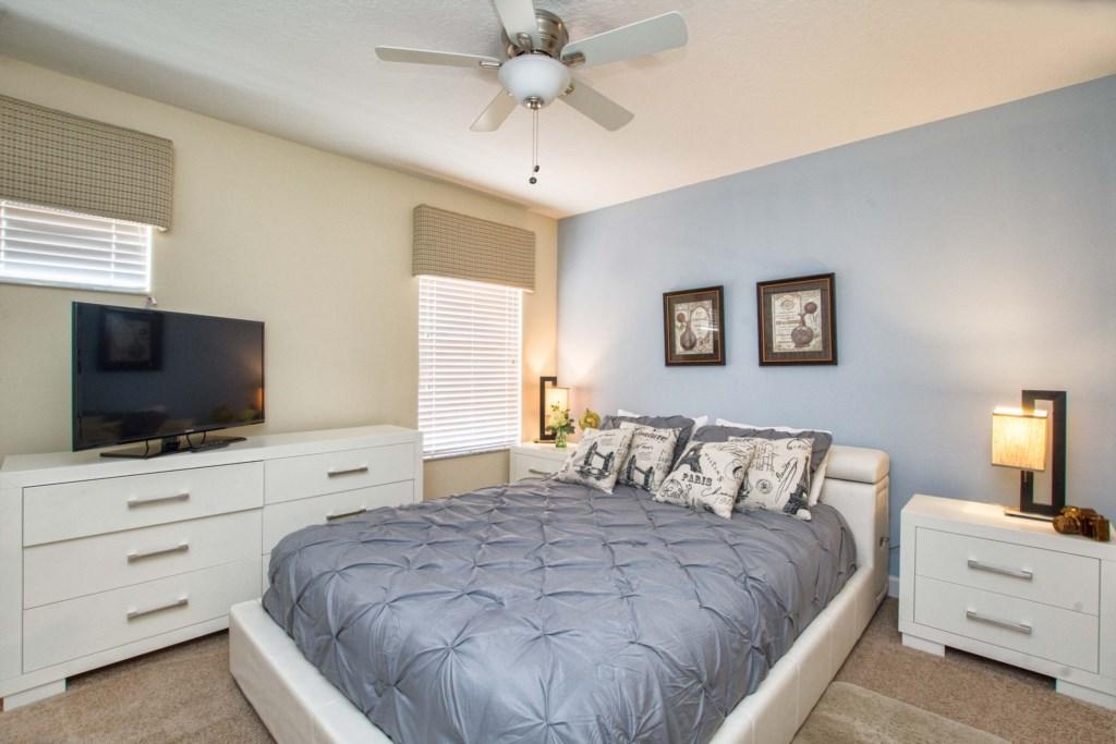 30-Bedroom5