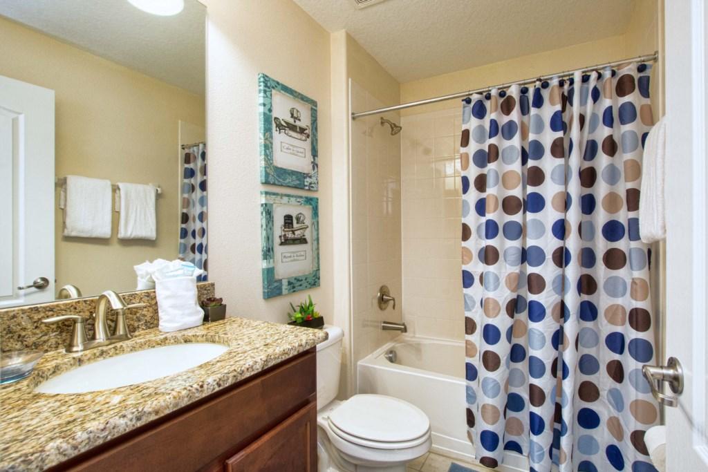 32-Bathroom5