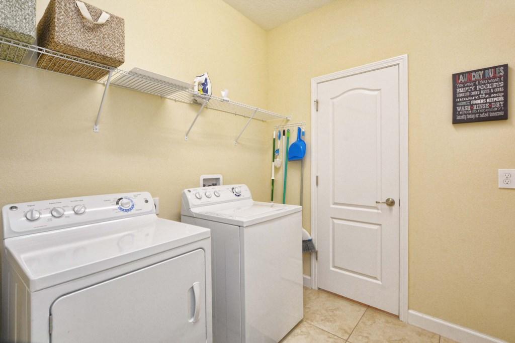 33-LaundryRoom